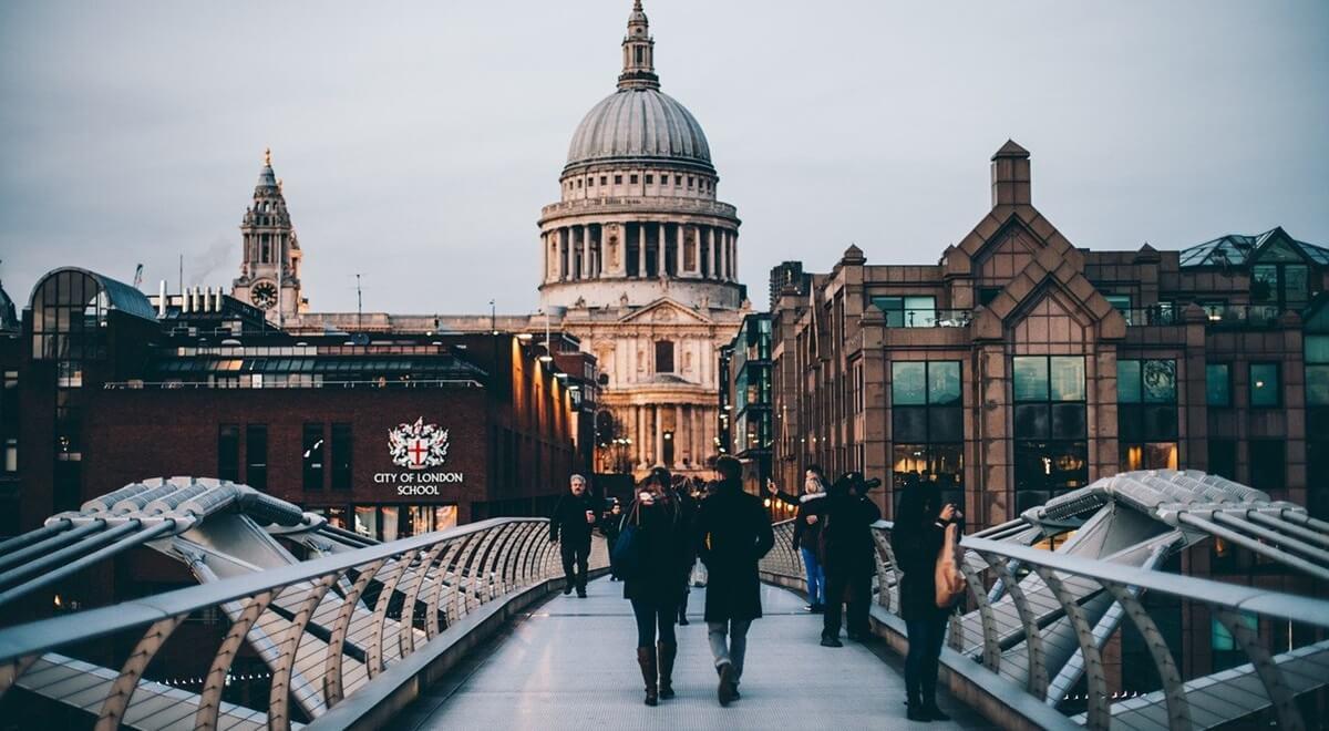 Visiter l'Angleterre : logement, transports et activités