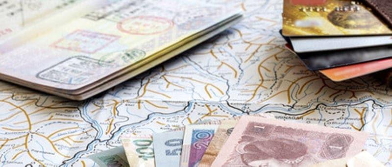 Comment choisir sa banque quand on voyage à l'étranger?