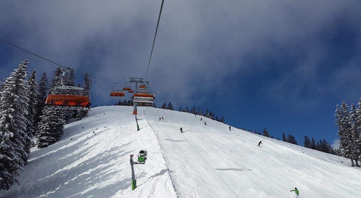 Voyager pour skier dans le monde