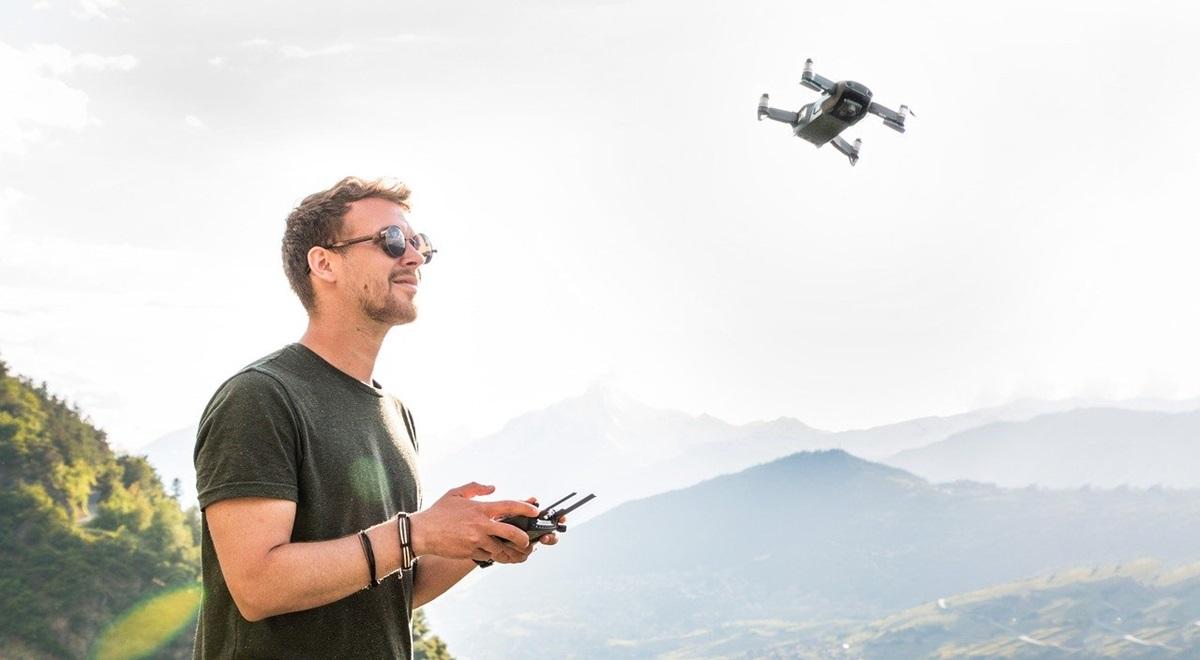 Partir en voyage avec son drone, quels pays les autorisent et les interdisent ?
