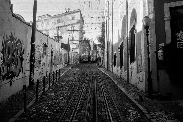 Le train ou l'expérience d'un voyage bohème