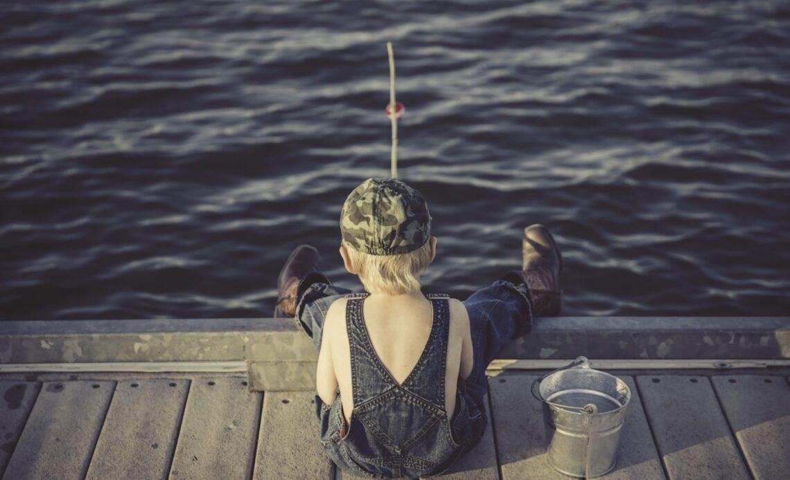 Initier son enfant à la pêche : comment faire pour le convaincre ?