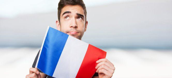 Reconnaître un Français à l'étranger : les 7 signes qui ne trompent pas !