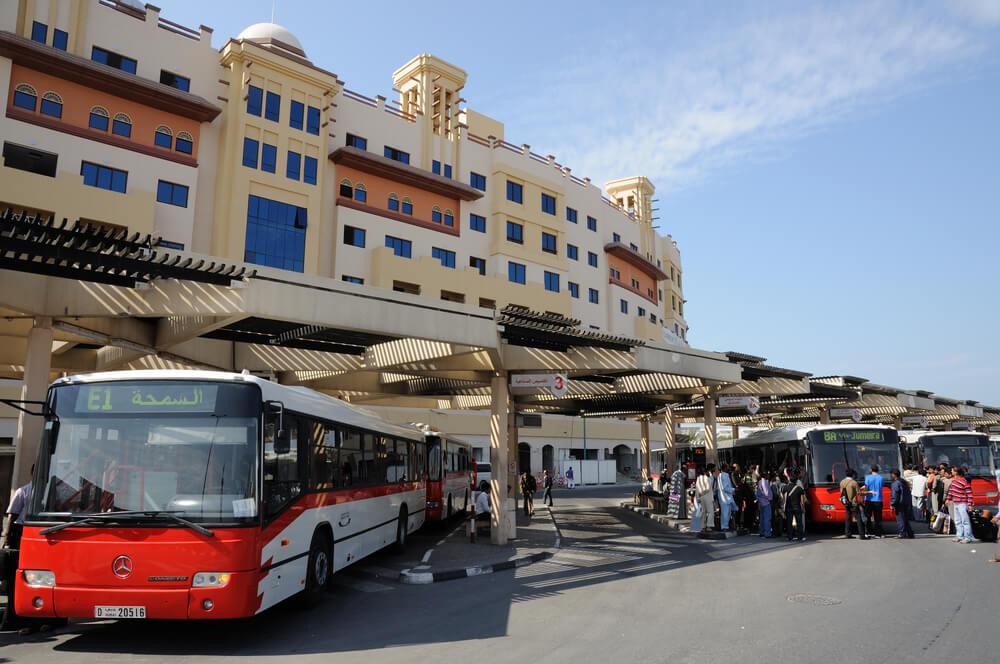 transport aux émirats arabes unis