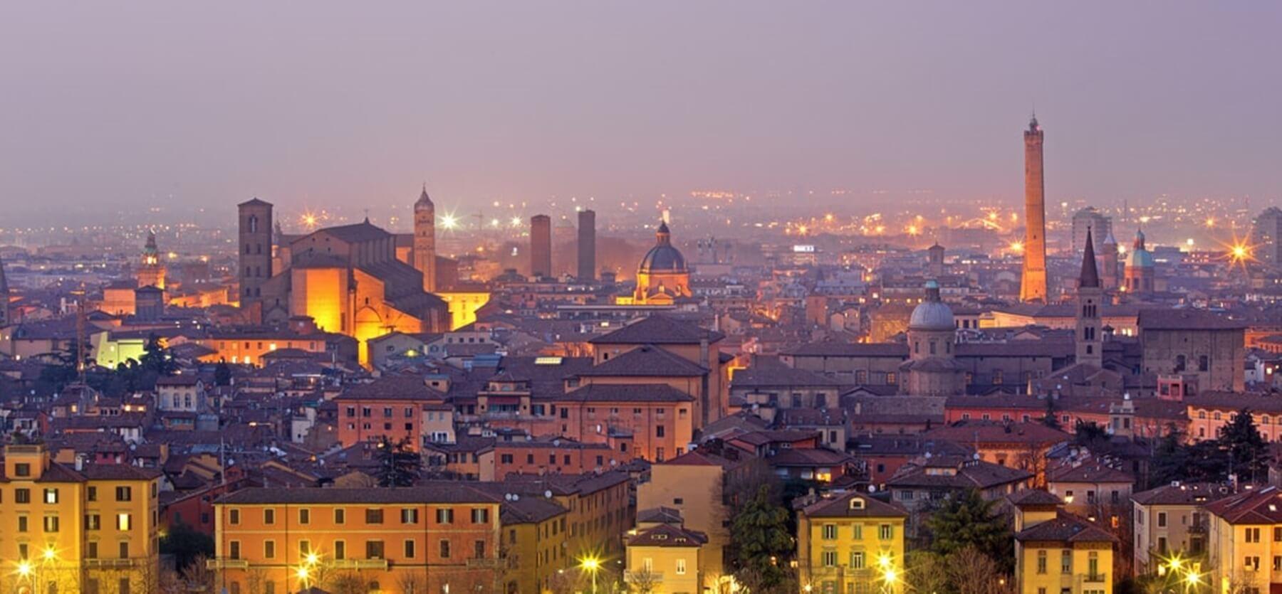 J'ai fait une année en Erasmus à Bologne. C'était ma 2ème année de licence information - communicati...