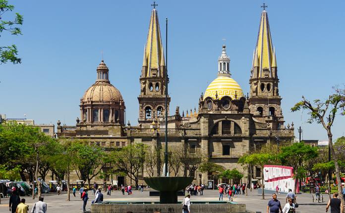 Voyager au Mexique n'est PAS DANGEUREUX. J'ai voyagé en bus tout au long de mon séjour et je n'ai eu...